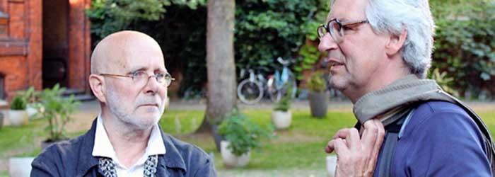 Peter-Paul Hennicke und Prof. Dr. Thomas Friedrich (Fakultät Gestaltung der Hochschule Mannheim) vor Beginn des Vortrags im Vorhof des Ateliers.