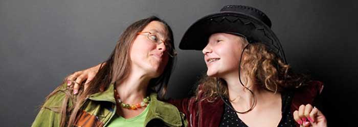 Jana Faust (das Grafik-Büro, Berlin) mit Tochter Hanna.