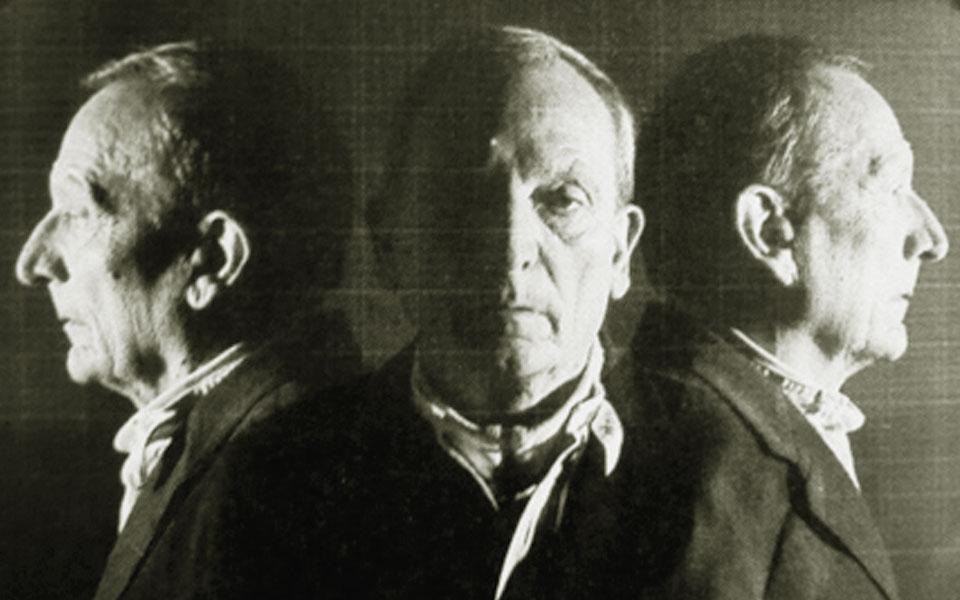 Prof. Kurt Weidemann, Schriftgestalter, Typograph und Autor. Foto: Kurt Weidemann, Stuttgart.