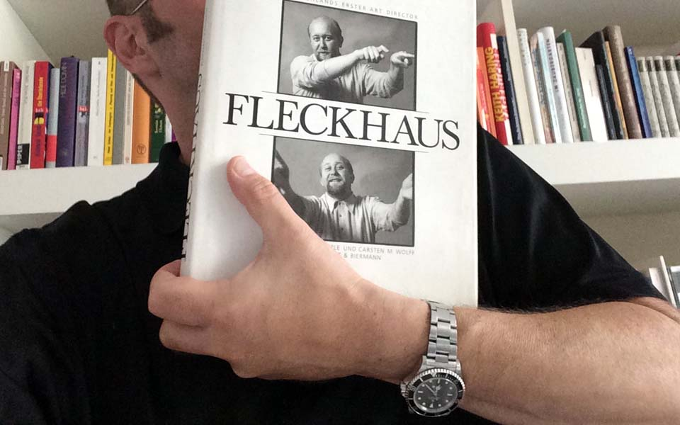 Michael Koetzle, Carsten M. Wolff (Hrsg.)Fleckhaus. Deutschlands erster Art Directorca. 304 Seiten, ca. 300 Abbildungen 22 x 27,8 cm;Leinen mit SchutzumschlagVerlag Klinkhardt & BiermannISBN 3-7814-0405-6.