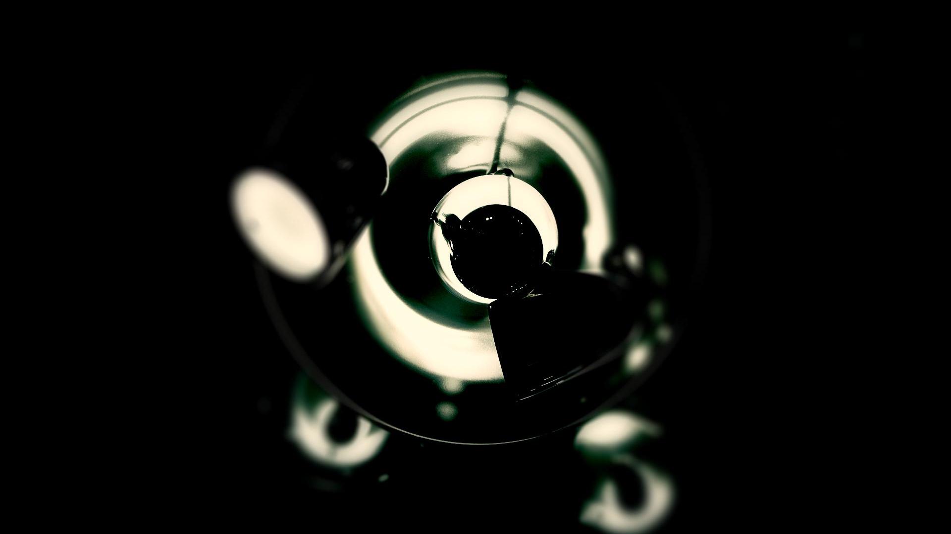 Interview von Ulrich Pfaffenberger zum Thema Employer Branding mit dem Grafikdesigner Wolfgang Beinert für den Radstand Korrespondent, Ausgabe März 2012, »Expertenansicht: So wird die Firma zu Marke«.
