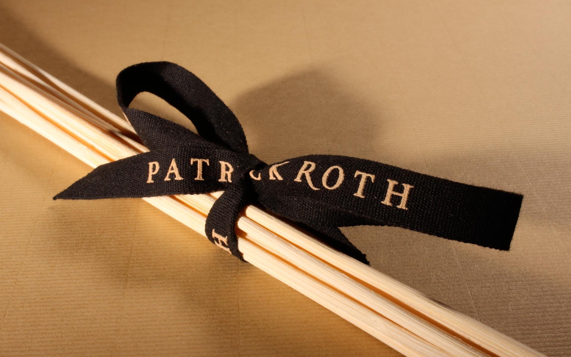 Roth Mode, Geschenkband.