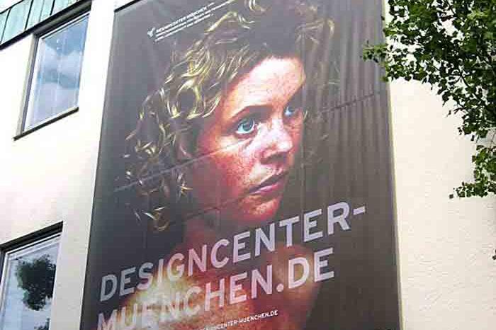 Hochschule München, Designcenter München, Projektzentrum für Design und Fotografie, Megaposter »Spacegirl«, 2005–2006.