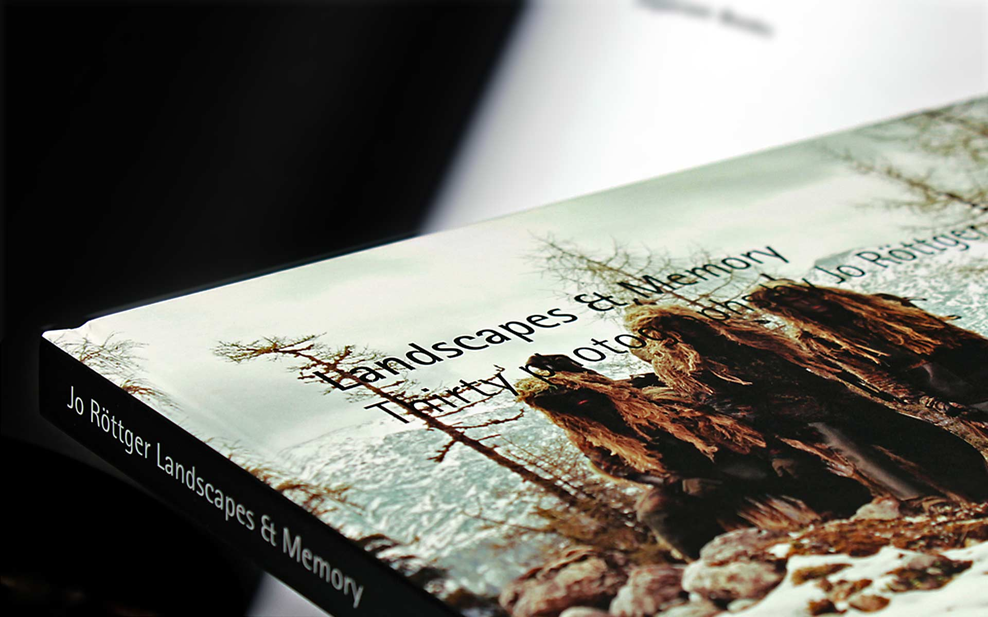 peperoni books, Titel des Fotobuchs »Landscapes & Memory« von Jo Röttger.